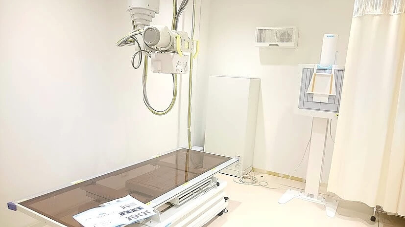 X線画像検査室(左)