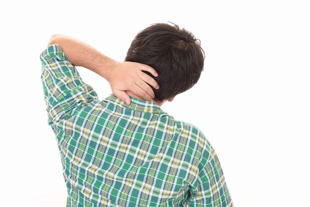 首の痛み・違和感