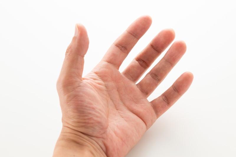 指 原因 バネ